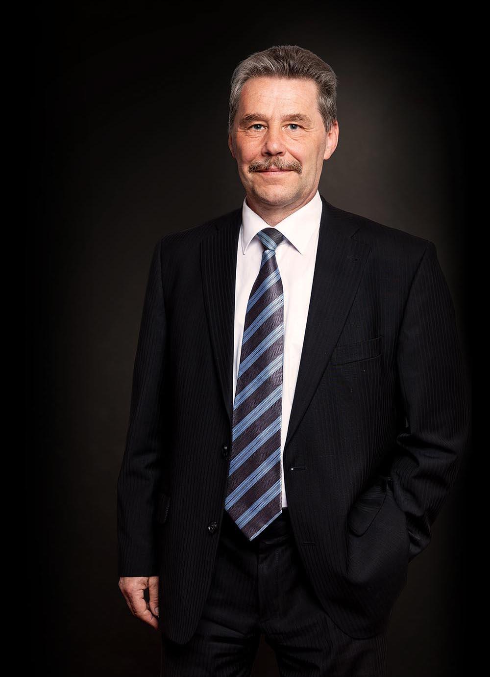 Dr. Frank Lohse